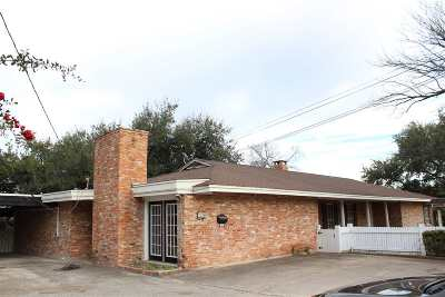 Del Rio Single Family Home ACTIVE: 210 E Pafford St.