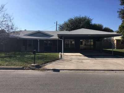 Brackettville, Del Rio, Comstock Single Family Home ACTIVE: 211 Alta Vista -- Rental