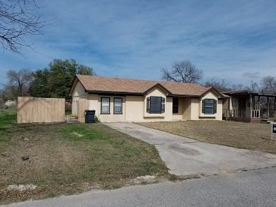 Brackettville, Del Rio, Comstock Single Family Home ACTIVE: 119 Edward St
