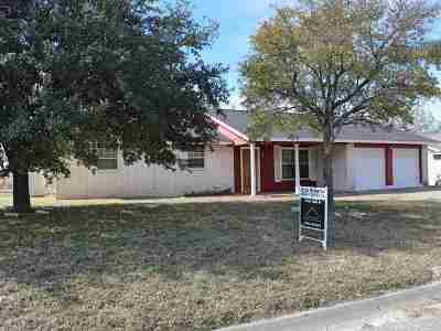 Brackettville, Del Rio, Comstock Single Family Home ACTIVE: 204 Miller Dr