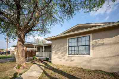 Del Rio Single Family Home UNDER CONTRACT-OPTION: 813 E Gutierrez St
