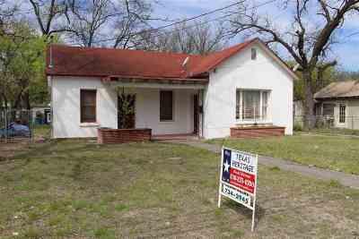 Del Rio Single Family Home UNDER CONTRACT-OPTION: 1009 S Main St