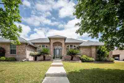 Del Rio Single Family Home UNDER CONTRACT-OPTION: 102 Saddle Blanket Trail