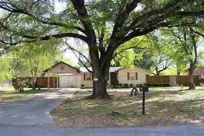 Brackettville, Del Rio, Comstock Single Family Home UNDER CONTRACT-OPTION: 202 Santa Maria Dr