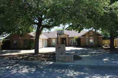Del Rio Single Family Home ACTIVE: 124 Warbonnet Trail