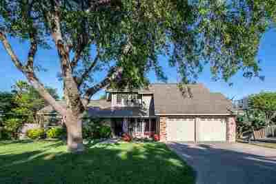 Del Rio Single Family Home ACTIVE: 202 Far Hills Drive