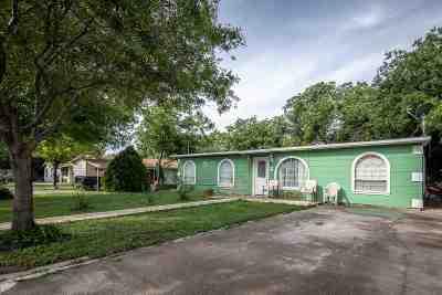 Brackettville, Del Rio, Comstock Single Family Home UNDER CONTRACT-OPTION: 1706 Ave D