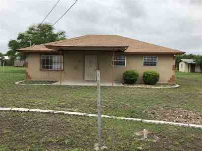 Brackettville, Del Rio, Comstock Single Family Home ACTIVE: 318 Grissom