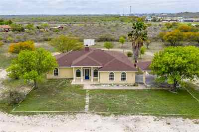 Del Rio Single Family Home UNDER CONTRACT-OPTION: 192 Chisolm Trail