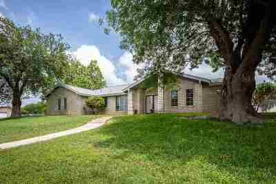 Single Family Home ACTIVE: 327 Enchanted Way