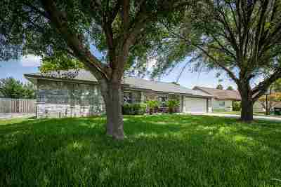 Del Rio Single Family Home UNDER CONTRACT-OPTION: 111 Warbonnet Trail