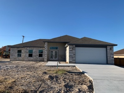 Del Rio Single Family Home UNDER CONTRACT-OPTION: 137 Red Cloud Trail
