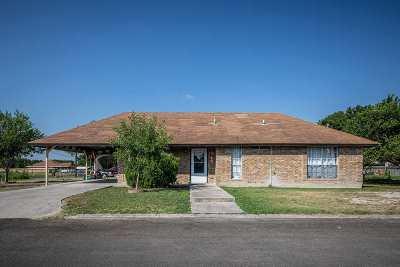 Brackettville, Del Rio, Comstock Single Family Home UNDER CONTRACT-OPTION: 318 E Adobe