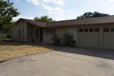 Brackettville, Del Rio, Comstock Single Family Home ACTIVE: 202 Miller