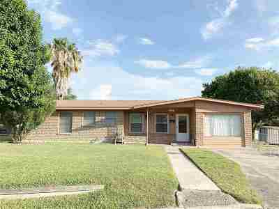 Brackettville, Del Rio, Comstock Single Family Home UNDER CONTRACT-OPTION: 214 Highland Street