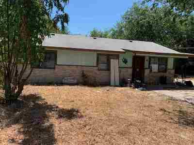 Brackettville, Del Rio, Comstock Single Family Home ACTIVE: 209 Rubio Street