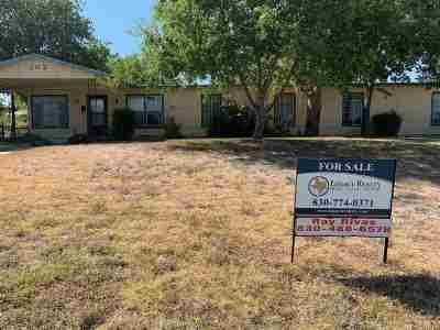 Brackettville, Del Rio, Comstock Single Family Home ACTIVE: 302 Long Dr.