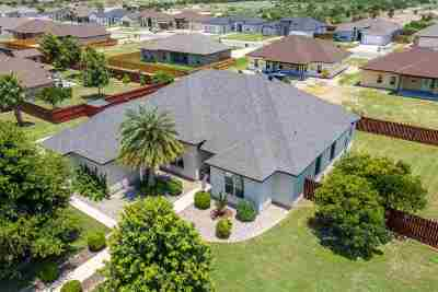 Del Rio Single Family Home UNDER CONTRACT-OPTION: 403 Boulder Ridge Drive