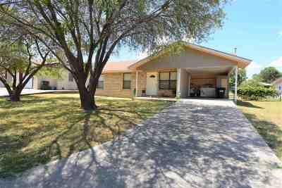 Brackettville, Del Rio, Comstock Single Family Home UNDER CONTRACT-OPTION: 607 W 13th St.