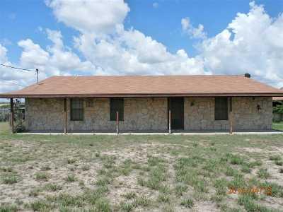 Brackettville, Del Rio, Comstock Single Family Home ACTIVE: 641 Butch Cassidy Tri.