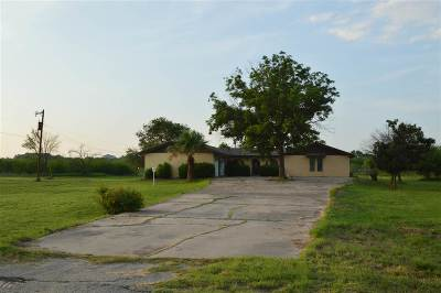 Brackettville, Del Rio, Comstock Single Family Home ACTIVE: 2360 Packsaddle Circle