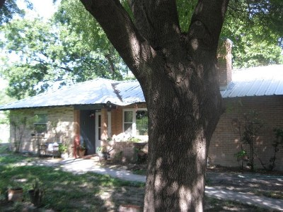 Brackettville, Del Rio, Comstock Single Family Home ACTIVE: 2396 Las Vacas