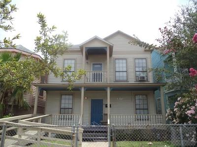 Galveston TX Single Family Home For Sale: $128,750