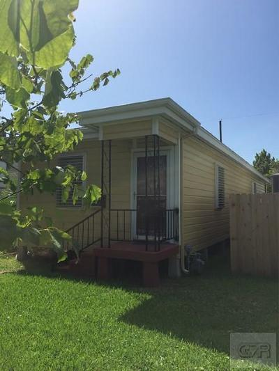 Galveston TX Single Family Home For Sale: $138,000