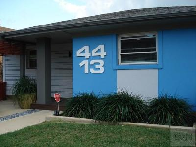 Galveston TX Single Family Home For Sale: $259,000
