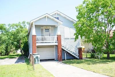 Galveston TX Single Family Home For Sale: $120,000
