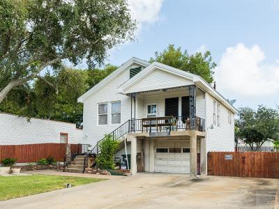 Galveston TX Single Family Home For Sale: $182,000