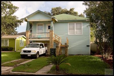Galveston TX Single Family Home For Sale: $199,000