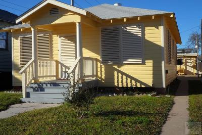 Galveston TX Single Family Home For Sale: $159,000