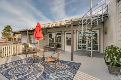 Tiki Island Condo/Townhouse For Sale: 49 Harbor Circle