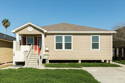 Galveston TX Single Family Home For Sale: $185,000
