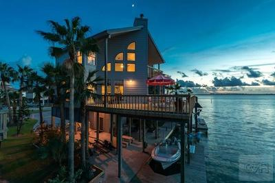Tiki Island Single Family Home For Sale: 315 Isles End Road