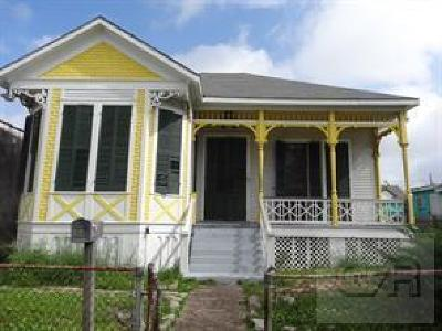 Galveston TX Single Family Home For Sale: $110,000