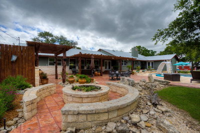 Kerrville Single Family Home For Sale: 680 Town Creek Rd