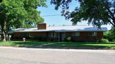 Llano Single Family Home Under Contract: 1107 E Sandstone