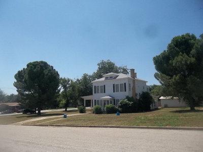 Llano County Single Family Home For Sale: 404 W Sandstone