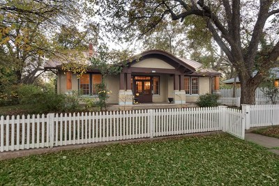 Gillespie County Single Family Home For Sale: 313 E San Antonio St