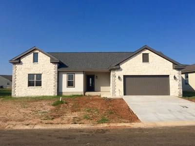 Fredericksburg Single Family Home Under Contract W/Contingencies: 728 Northern Red Oak