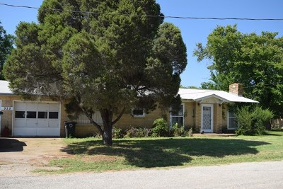 Mason County Single Family Home Under Contract W/Contingencies: 925 Ischar St