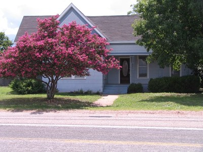 Mason County Single Family Home Under Contract W/Contingencies: 742 S Avenue F