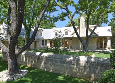 Fredericksburg Single Family Home For Sale: 209 E Centre St