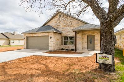 Fredericksburg TX Single Family Home For Sale: $294,000