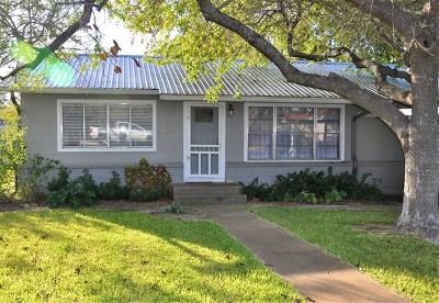 Blanco County Single Family Home For Sale: 405 N Avenue E
