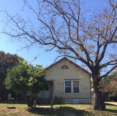 Fredericksburg Single Family Home For Sale: 432 S Milam St