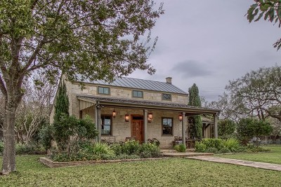 Fredericksburg Single Family Home For Sale: 535 N Lee St