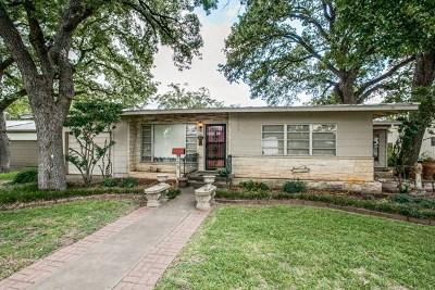 Fredericksburg Single Family Home For Sale: 509 N Adams St